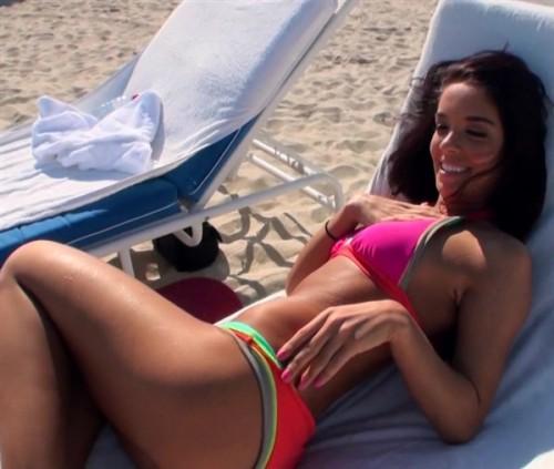 Снял мулаточку на пляже