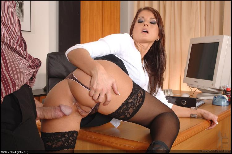 фото секс с секретаршей в колготках